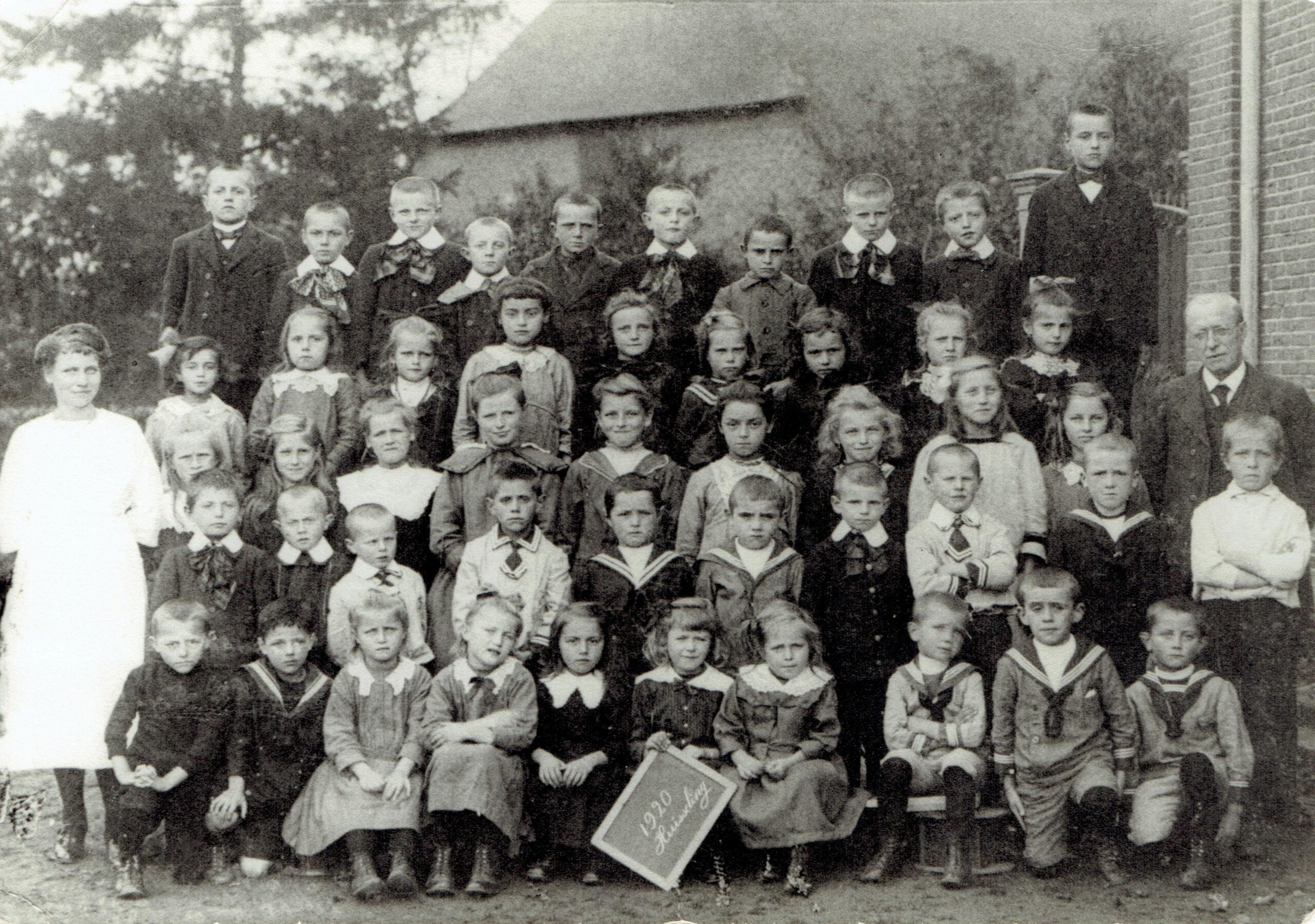 Huisseling.nl; Lagere School, Schoolfoto 1920