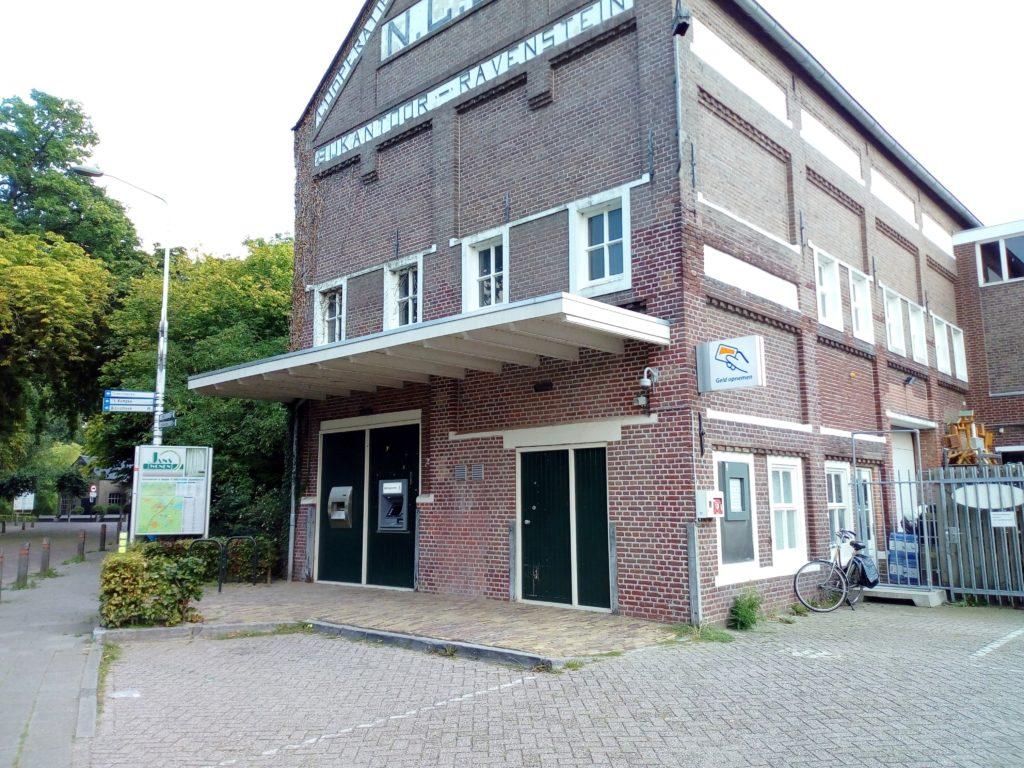 Huisseling.nl; Het pakhuis van de CAV